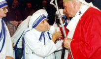 Nënë-Tereza-dhe-Papa-Gjon-Pali-II